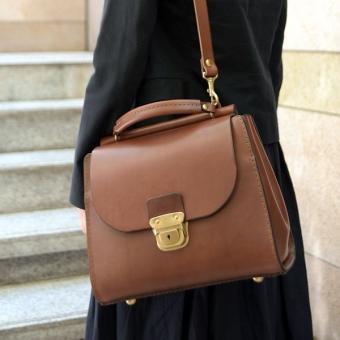 レディースバッグで人気の茶色のショルダーバッグ