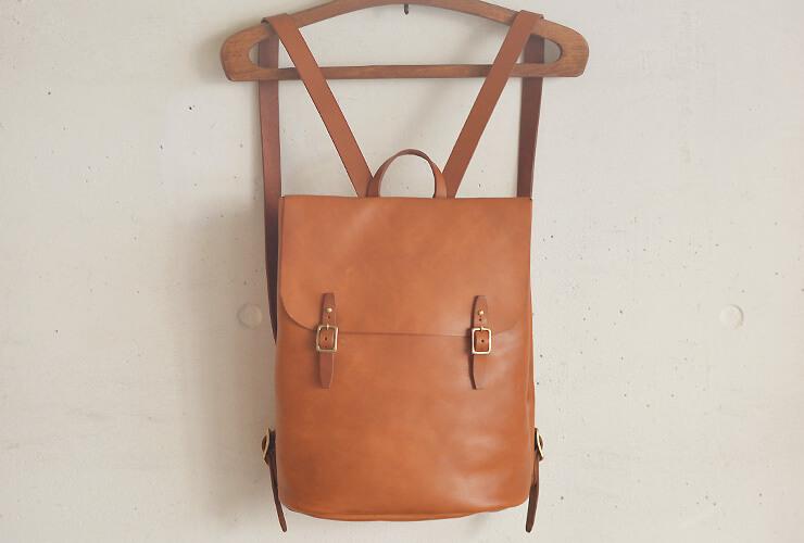 53545f4079ab 使いやすさと革の素材を感じるシンプルなリュックサック「革鞄のHERZ ...