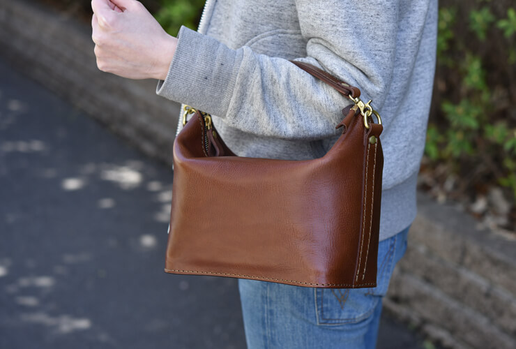 a0de535e6b8d 休日使いに最適なシンプルなソフト革2wayレディースバッグ「革鞄のHERZ(ヘルツ)公式通販」