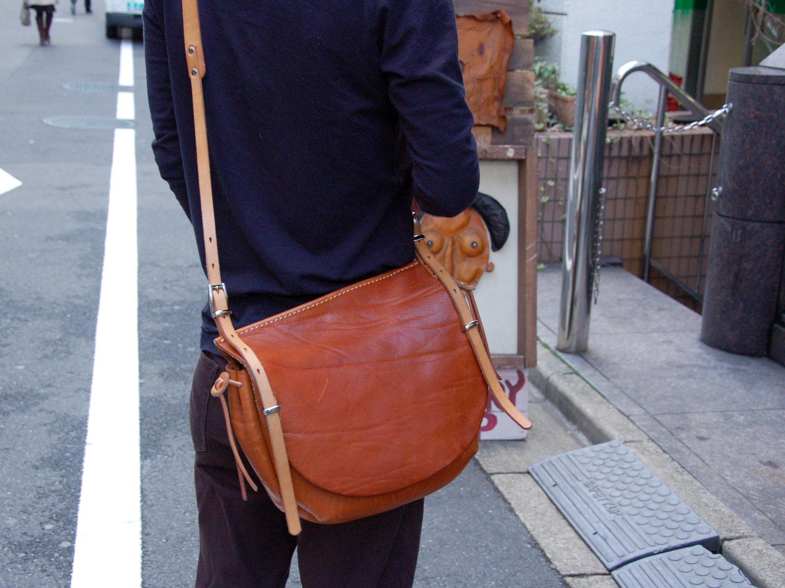 スタッフ愛用品:ワイルドメールバッグ丸型