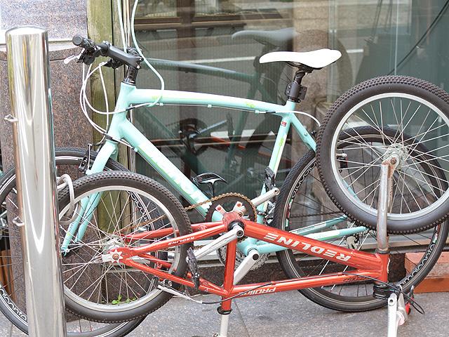 スタッフの愛用自転車1