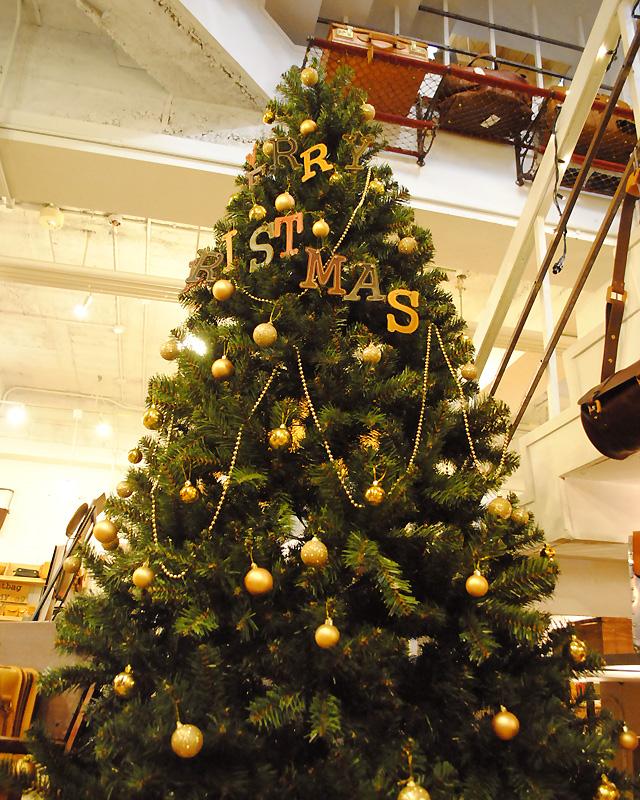 大阪店 クリスマスディスプレイ1