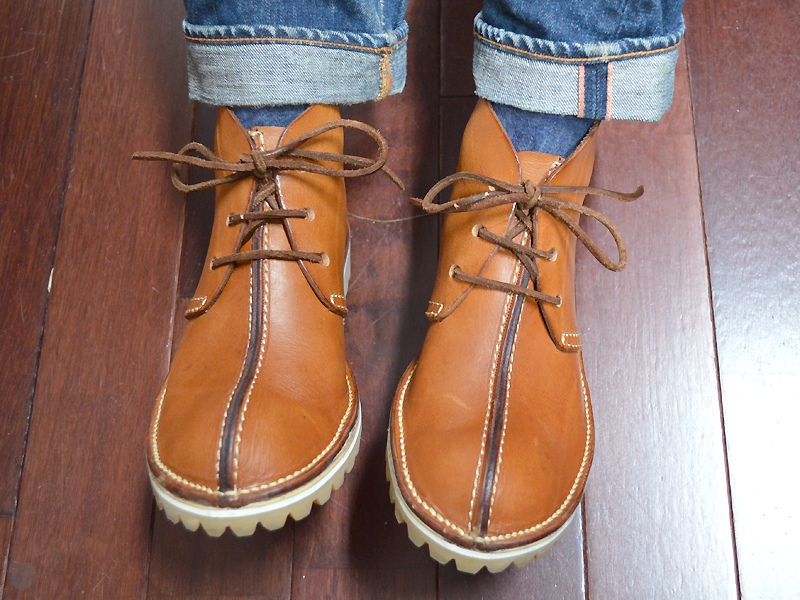 靴紐の結び変えた
