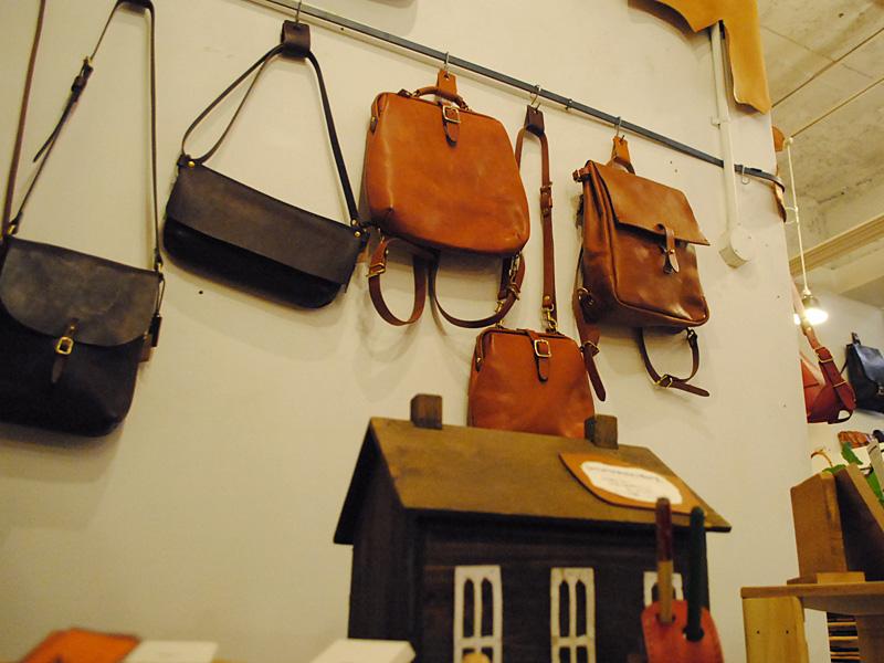 店内風景 鞄