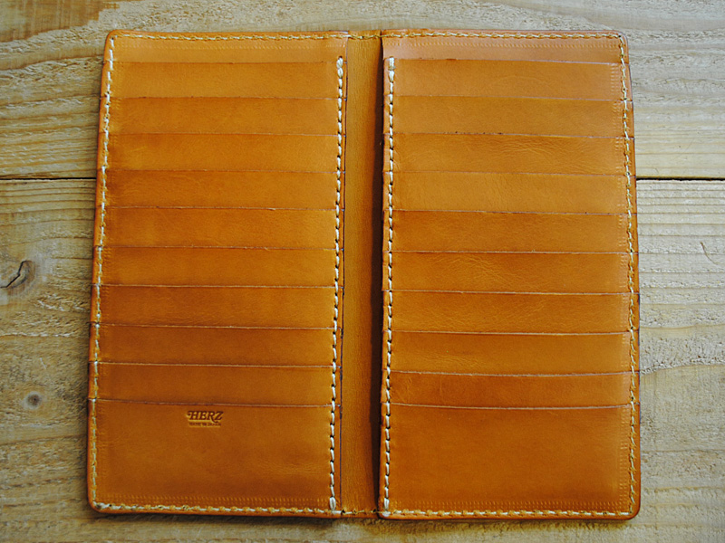 カード収納力大のお財布