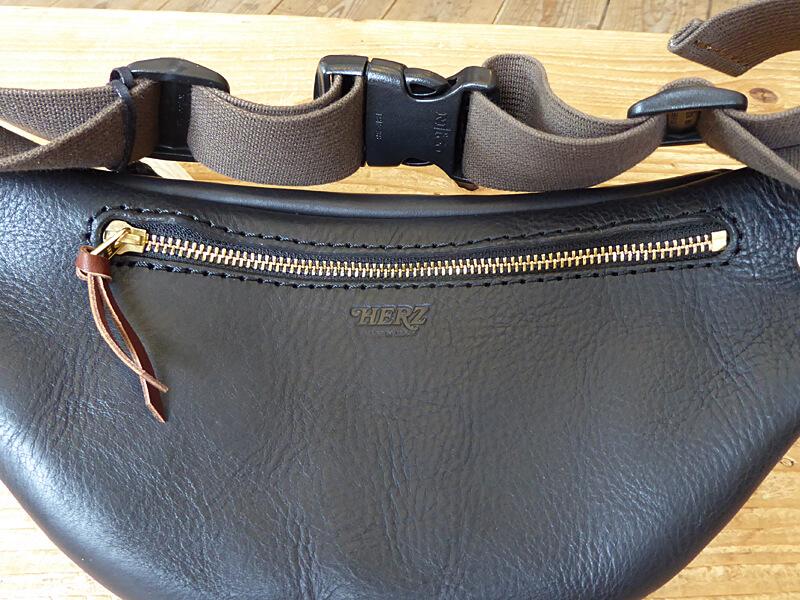 旅モノ:2カラーウエストバッグ 後面ポケット