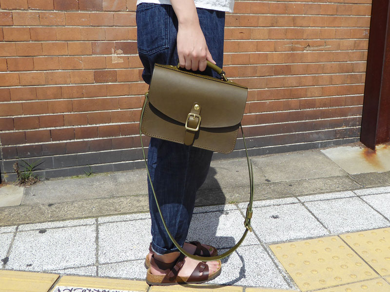 作り手:佐藤作「イージーバッグ」女性手持ち