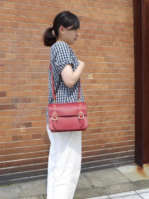 作り手:小松作 「ジャバらっぐ」女性着用