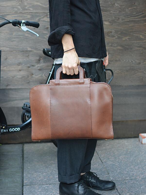 サンプルビジネスバッグ 着用