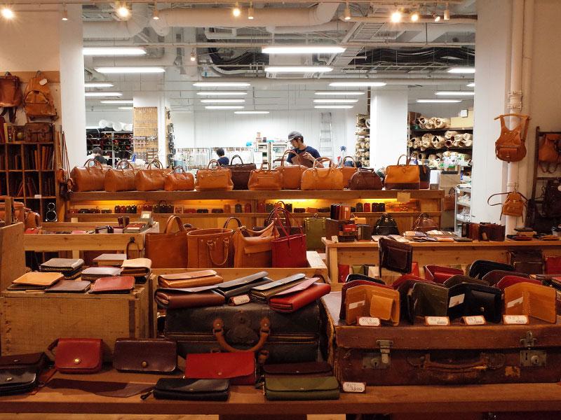 本店スタッフによる秋の企画鞄たち