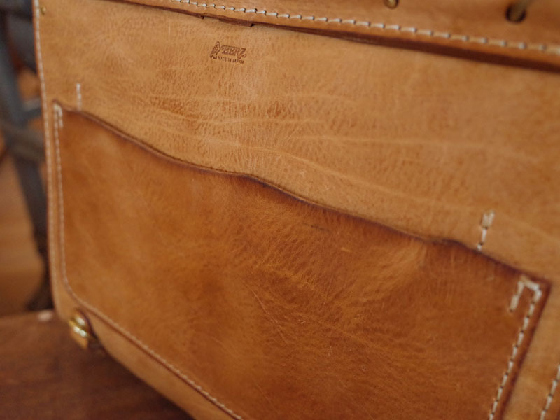 Flipper 3way Bag 革の質感
