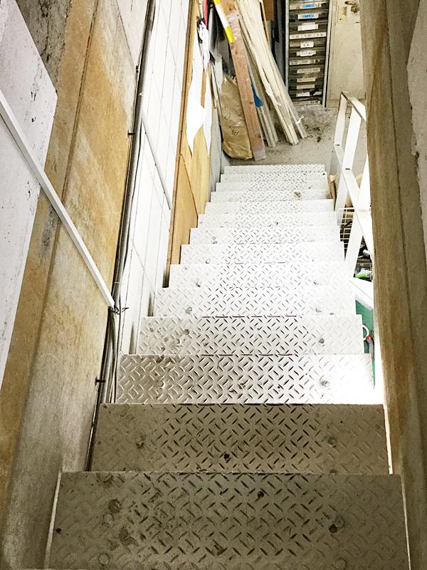渋谷工房階段