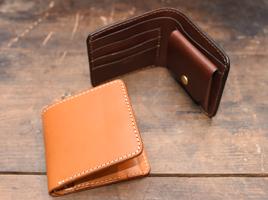 二つ折り財布一覧ページへ