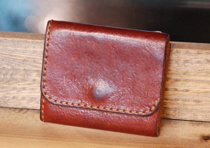 スタッフ愛用品:Organ小型財布 1年半使用