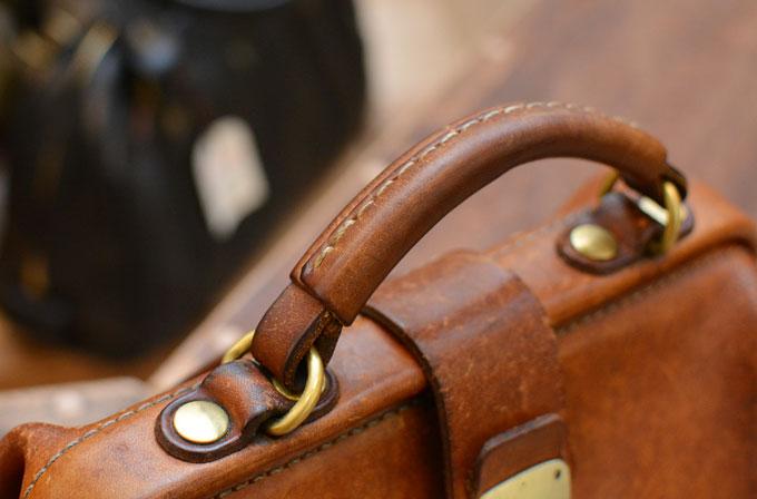使い手の生活とともに馴染んでいく鞄1