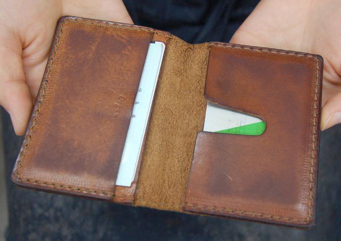 スタッフ愛用品:カードケース エイジング6