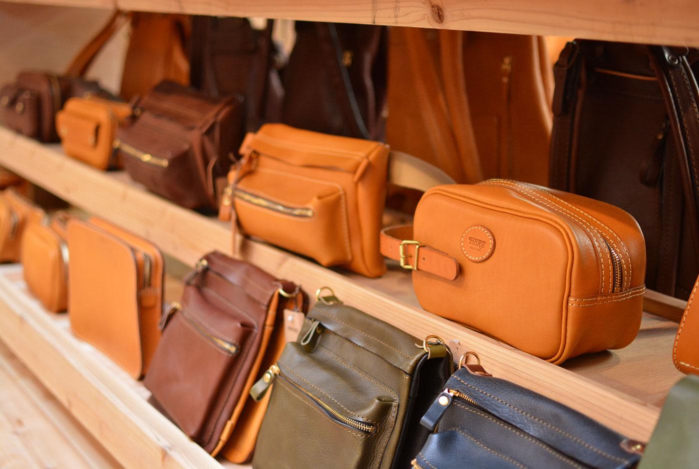 本店では、お父さんが休日に使えるセカンドバッグやショルダーバッグをピックアップ!!