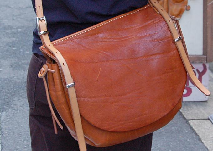 スタッフ愛用品:ワイルドメールバッグ丸型 半年使用