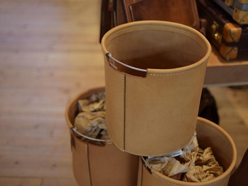 ヌメ革のボックス