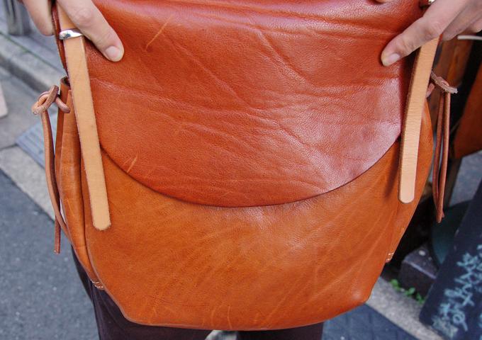 スタッフ愛用品:ワイルドメールバッグ丸型 エイジング2