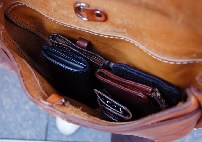 スタッフ愛用品:ワイルドメールバッグ丸型 愛用法2