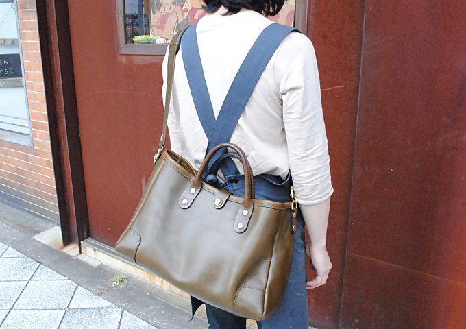 スタッフ愛用品:横型2wayトートバッグ 愛用法1