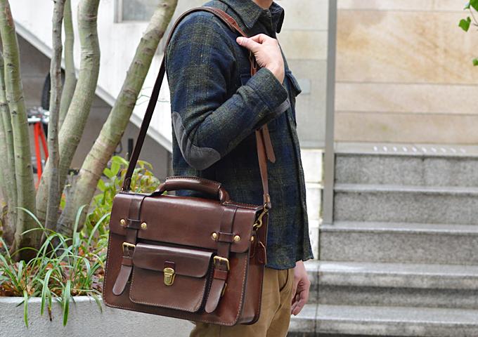 スタッフ愛用品: 学生鞄風・2wayビジネスバッグ 愛用法1