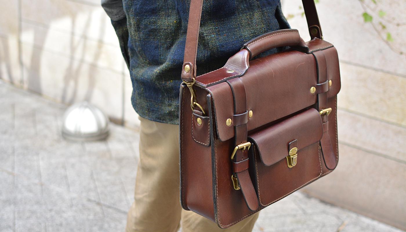 スタッフ愛用品: 学生鞄風・2wayビジネスバッグ