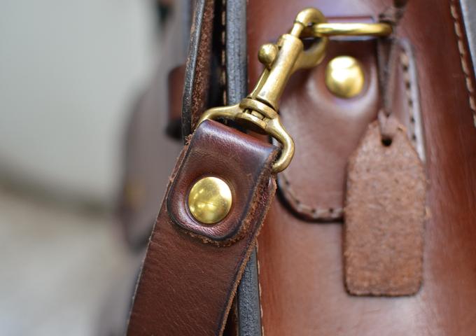 スタッフ愛用品: 学生鞄風・2wayビジネスバッグ エイジング金具