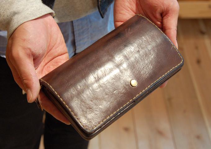 スタッフ愛用品:ジャバラ長財布 経年変化 2年使用