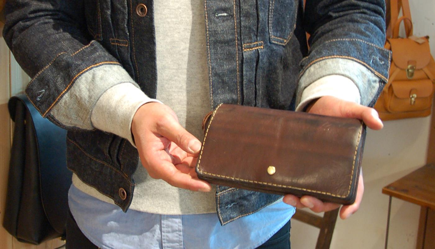 スタッフ愛用品:ジャバラ長財布