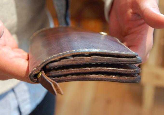 スタッフ愛用品:ジャバラ長財布 エイジング2