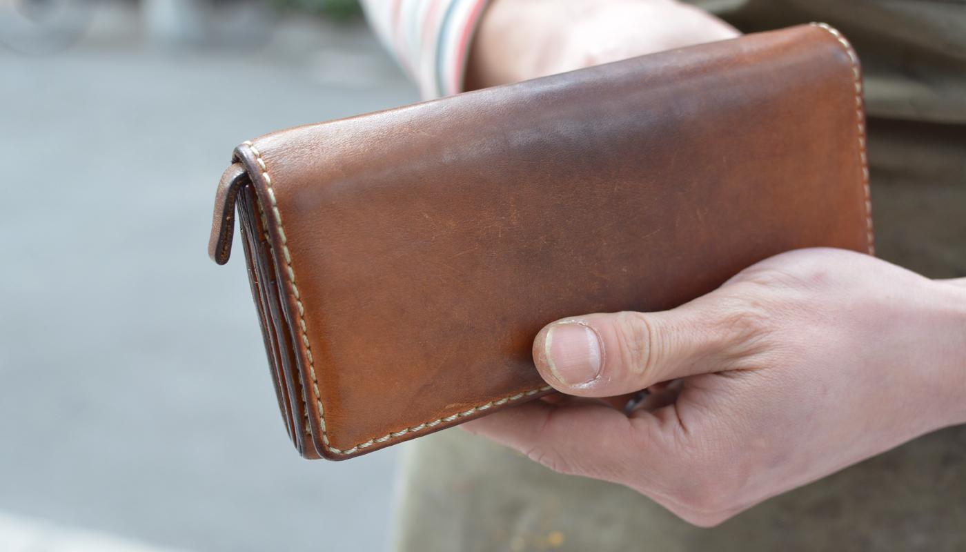 スタッフ愛用品: ソフトレザーの長財布