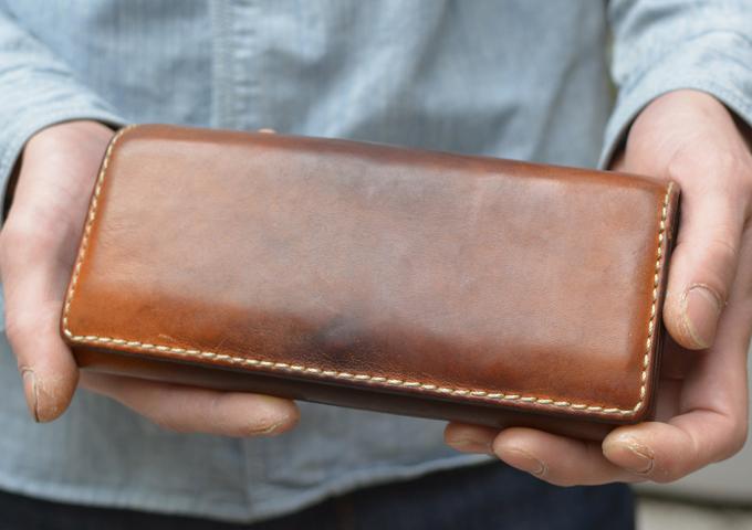 スタッフ愛用品: ソフトレザーの長財布 4年使用