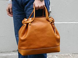 スタッフ愛用品:2段階取っ手のトートバッグ