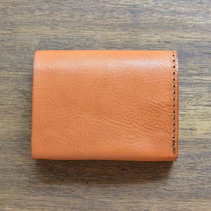 小型のマチ付き二つ折り財布