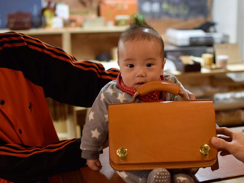 息子さんとミニ鞄