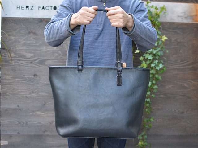 シンプルファスナートートバッグ 作り手:佐藤