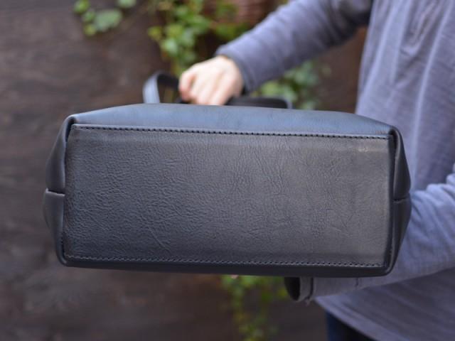 シンプルファスナートートバッグ 作り手:佐藤 底面