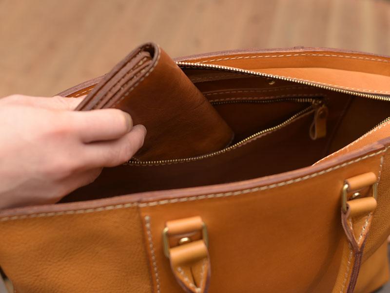 ファスナー内ポケット