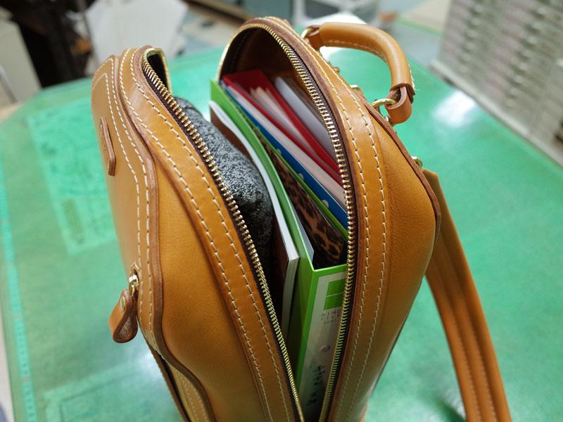 こだわったのは鞄上部の立体感と収納力です