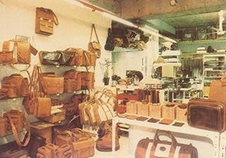 青山本店オープン当時の店内
