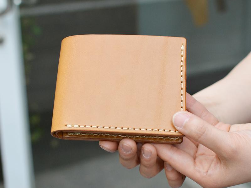 春財布 シンプル二つ折り財布