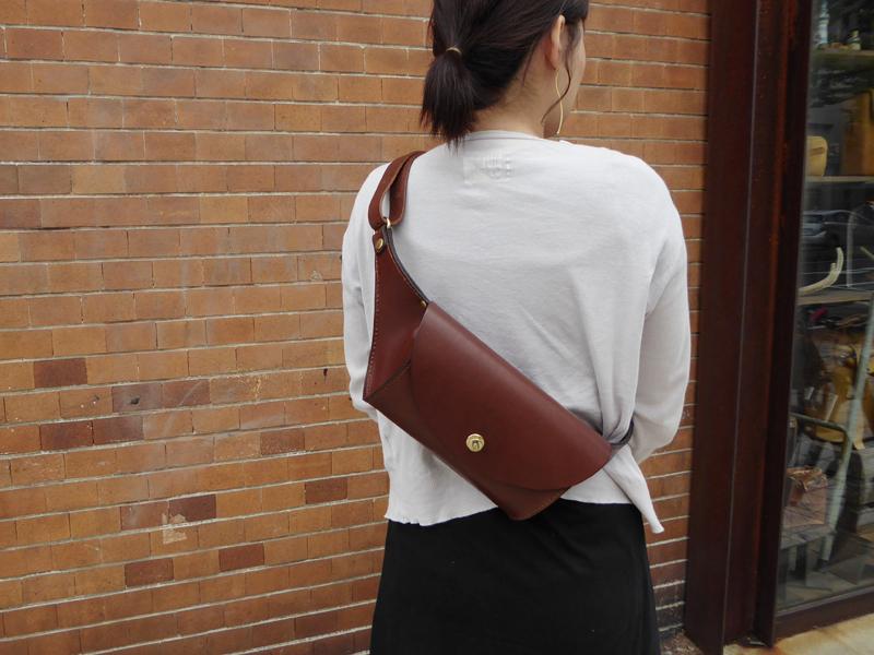 大阪店5周年記念鞄ラウンドボディーバック
