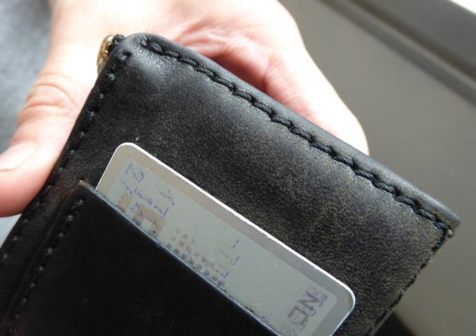 スタッフ愛用品:小銭入れつきキーケース エイジング 本体擦れ