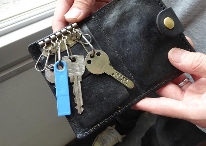 スタッフ愛用品:小銭入れつきキーケース 愛用法1