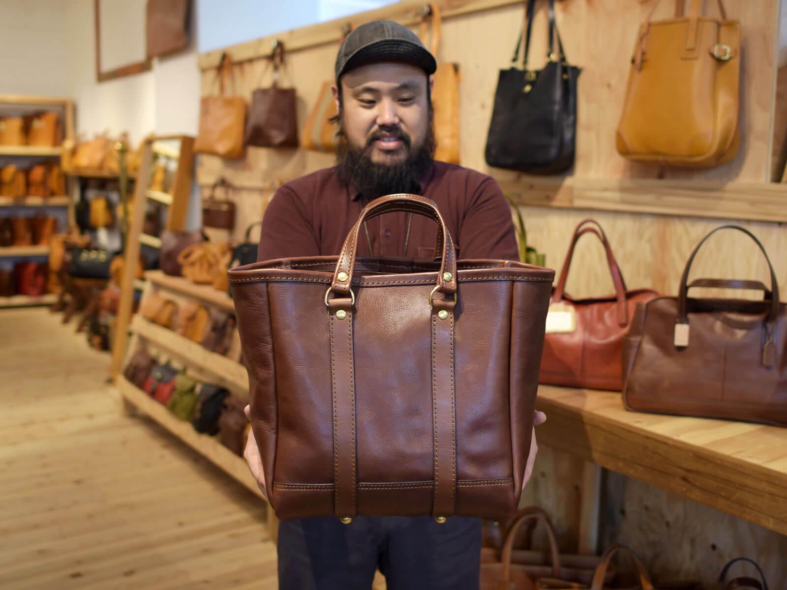夏に持ちたいバッグはコレ!本店店長の鈴木が選ぶ夏カバン!