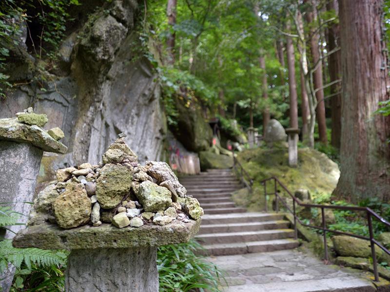 山寺の登山口