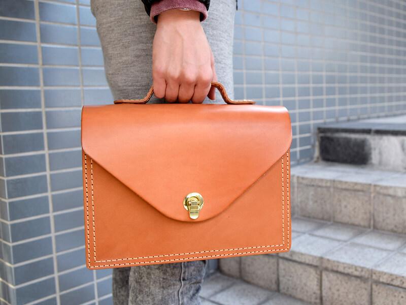 作り手:袴田作のこのハンドバッグです!!!