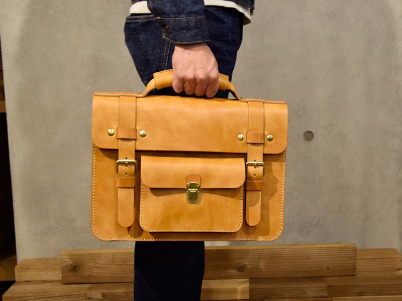 学生鞄風・2wayビジネスバッグ(BC-16) 手持ち
